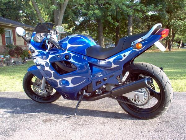 Фотогалерея мотоциклов Suzuki Katana (Cузуки Катана) - фото 12