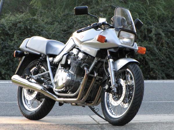 Фотогалерея мотоциклов Suzuki Katana (Cузуки Катана) - фото 25