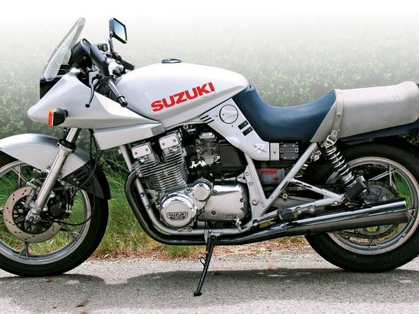 Фотогалерея мотоциклов Suzuki Katana (Cузуки Катана) - фото 27