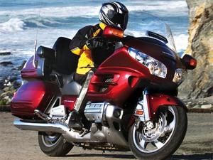 Особенности модели Honda Gold Wing GL 1800