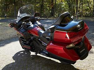 Комфорт при длительных путешествиях на  Honda Gold Wing GL 1800