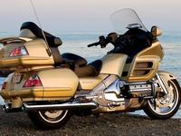 Honda Gold Wing 1800 -  туристическая модель мотоцикла премиум-класса