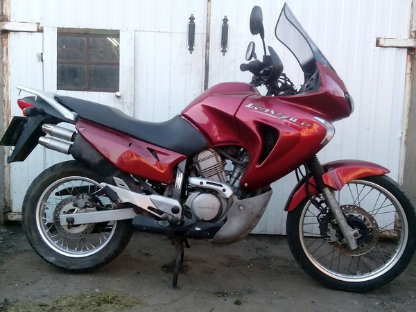 Фотогалерея мотоцикла Honda Transalp (Хонда Трансальп) 650 - фото 3