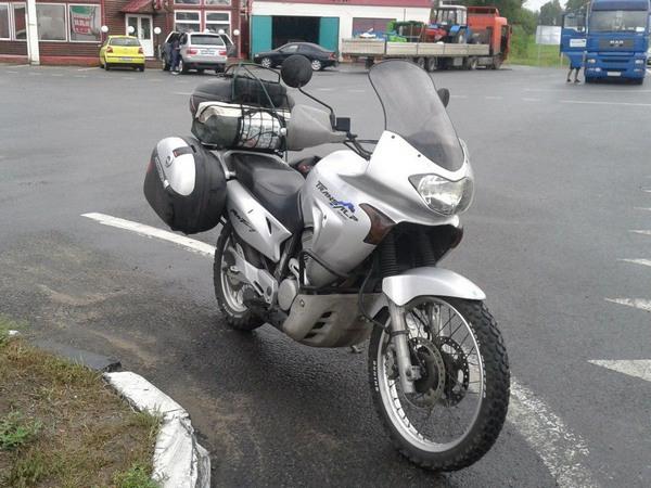 Фотогалерея мотоцикла Honda Transalp (Хонда Трансальп) 650 - фото 4