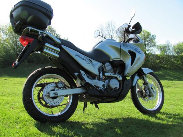 Фотогалерея мотоцикла Honda Transalp (Хонда Трансальп) 650 - фото 8