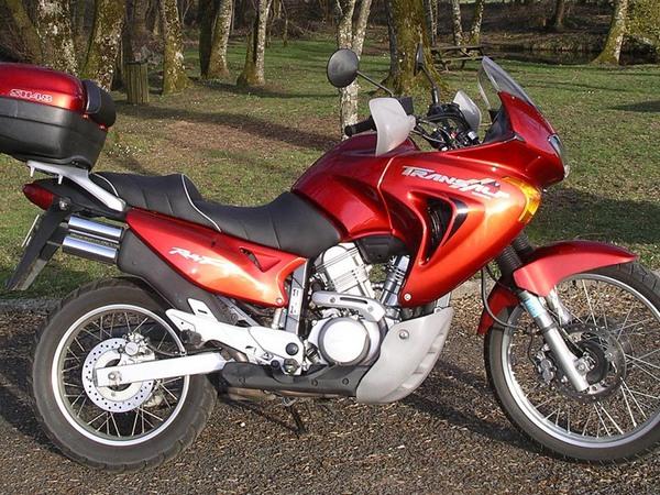 Фотогалерея мотоцикла Honda Transalp (Хонда Трансальп) 650 - фото 11