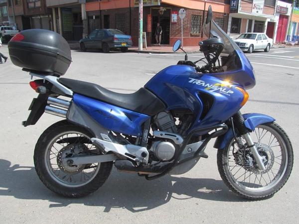 Фотогалерея мотоцикла Honda Transalp (Хонда Трансальп) 650 - фото 13