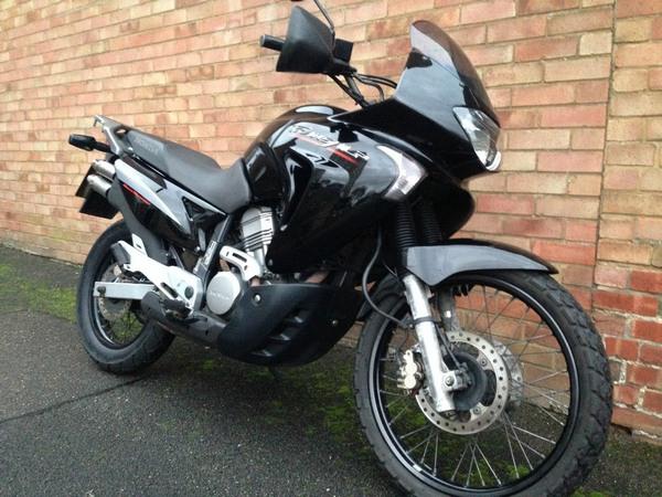 Фотогалерея мотоцикла Honda Transalp (Хонда Трансальп) 650 - фото 14