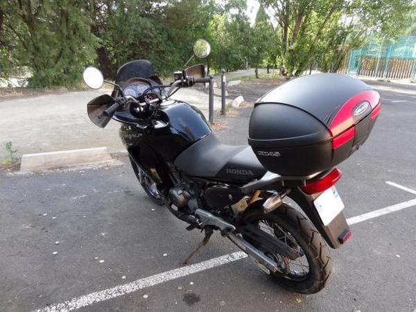 Фотогалерея мотоцикла Honda Transalp (Хонда Трансальп) 650 - фото 15