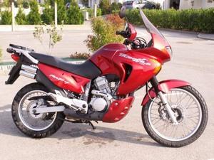 Характеристики и показатели мотоцикла Honda Transalp (Хонда Трансальп) 650
