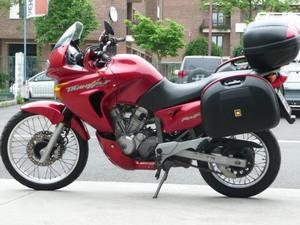 Дизайнерские решения Хонда Трансальп 650