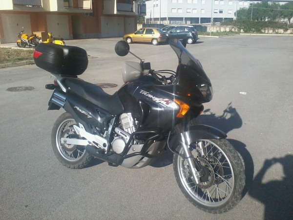 Фотогалерея мотоцикла Honda Transalp (Хонда Трансальп) 650 - фото 1