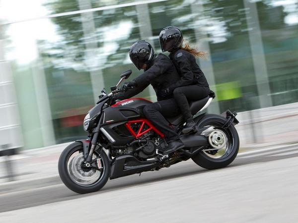 Фотогалерея мотоцикла Ducati Diavel (Дукати Дьявол) - фото 6