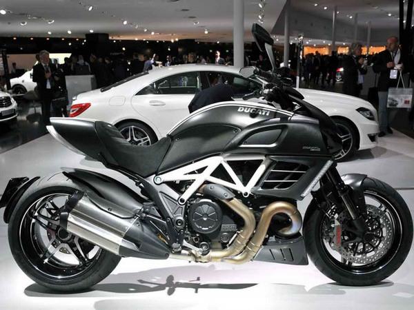 Фотогалерея мотоцикла Ducati Diavel (Дукати Дьявол) - фото 10