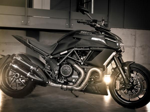 Фотогалерея мотоцикла Ducati Diavel (Дукати Дьявол) - фото 13