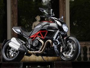 Ориентировочная стоимость байка Ducati Diavel
