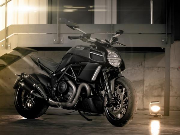 Фотогалерея мотоцикла Ducati Diavel (Дукати Дьявол) - фото 15