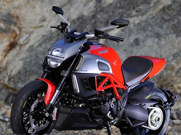 Фотогалерея мотоцикла Ducati Diavel (Дукати Дьявол) - фото 16
