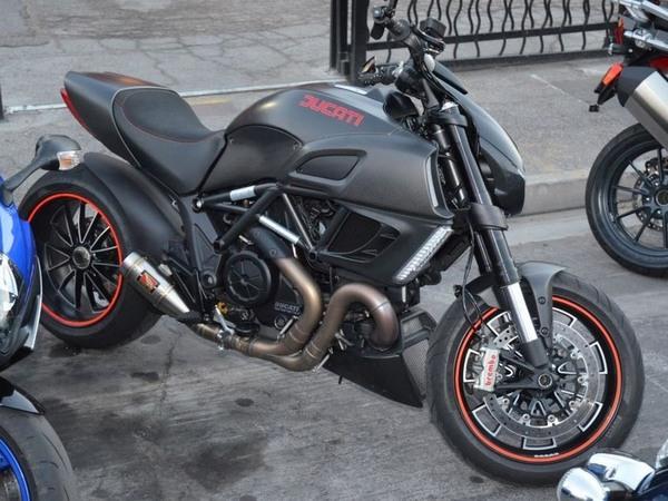 Фотогалерея мотоцикла Ducati Diavel (Дукати Дьявол) - фото 19