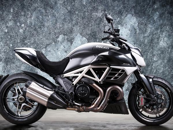 Фотогалерея мотоцикла Ducati Diavel (Дукати Дьявол) - фото 23