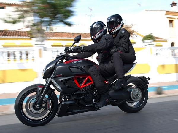 Фотогалерея мотоцикла Ducati Diavel (Дукати Дьявол) - фото 2