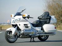 Обзор туристического мотоцикла премиум-класса Honda Gold Wing 1800