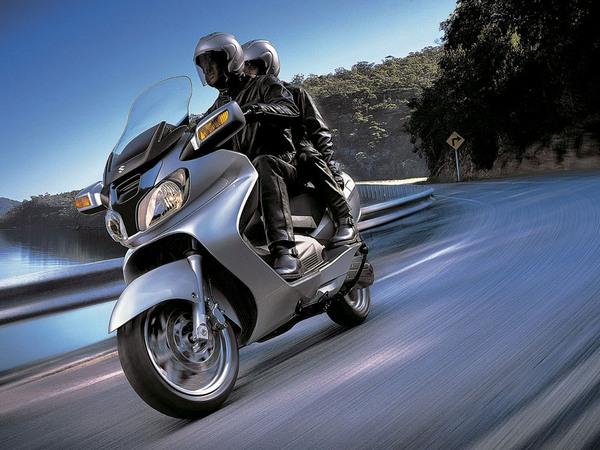 Фотогалерея макси скутера Suzuki Burgman (Skywave) 650 - фото 5