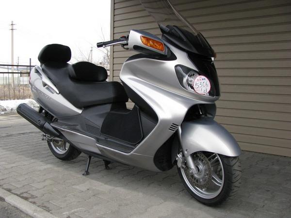 Фотогалерея макси скутера Suzuki Burgman (Skywave) 650 - фото 6