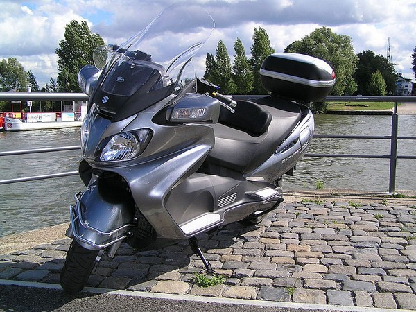 Фотогалерея макси скутера Suzuki Burgman (Skywave) 650 - фото 7