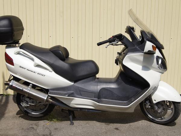 Фотогалерея макси скутера Suzuki Burgman (Skywave) 650 - фото 12