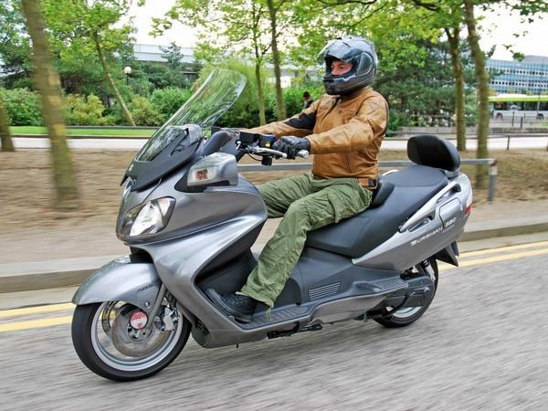 Фотогалерея макси скутера Suzuki Burgman (Skywave) 650 - фото 18