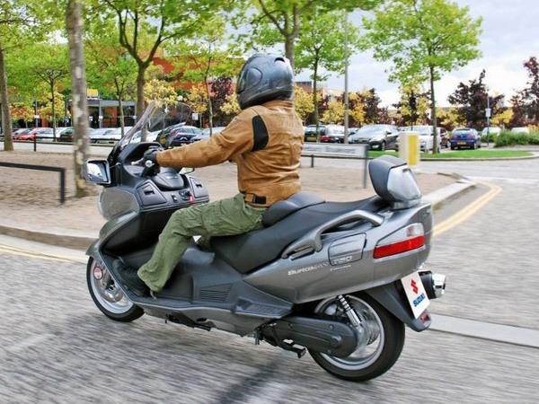 Фотогалерея макси скутера Suzuki Burgman (Skywave) 650 - фото 19