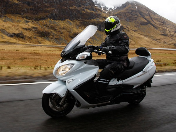 Фотогалерея макси скутера Suzuki Burgman (Skywave) 650 - фото 22