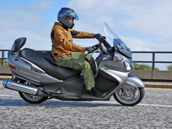 Фотогалерея макси скутера Suzuki Burgman (Skywave) 650 - фото 2
