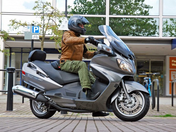 Фотогалерея макси скутера Suzuki Burgman (Skywave) 650 - фото 3