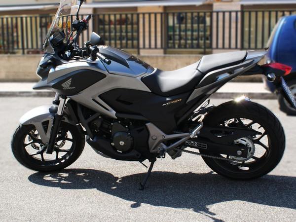 Фотогалерея  мотоцикла Honda NC750X - фото 5