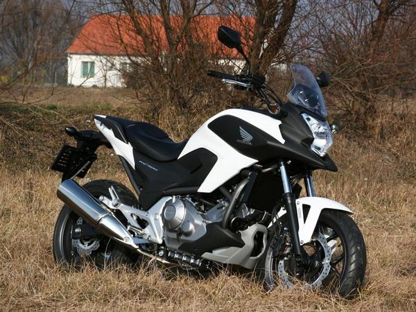 Фотогалерея  мотоцикла Honda NC750X - фото 7