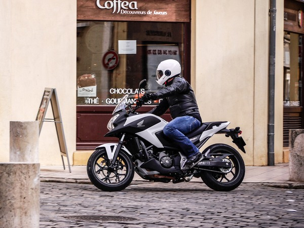 Фотогалерея  мотоцикла Honda NC750X - фото 11