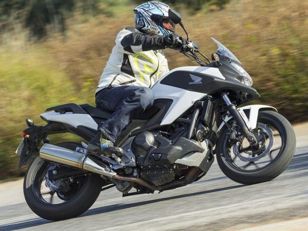 Фотогалерея  мотоцикла Honda NC750X - фото 13