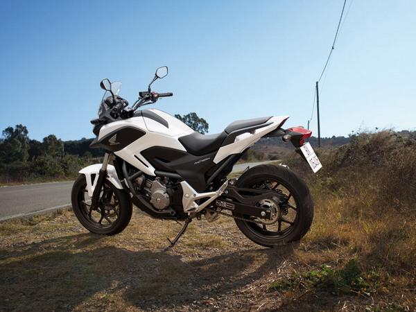 Фотогалерея  мотоцикла Honda NC750X - фото 18