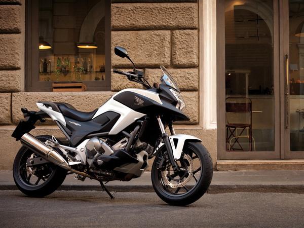 Фотогалерея  мотоцикла Honda NC750X - фото 19