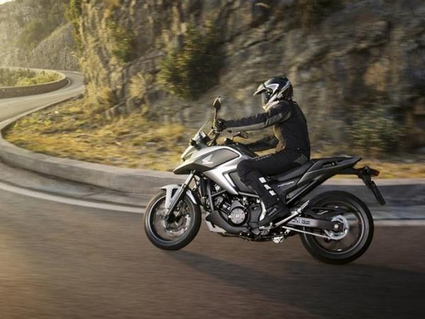 Фотогалерея  мотоцикла Honda NC750X - фото 2