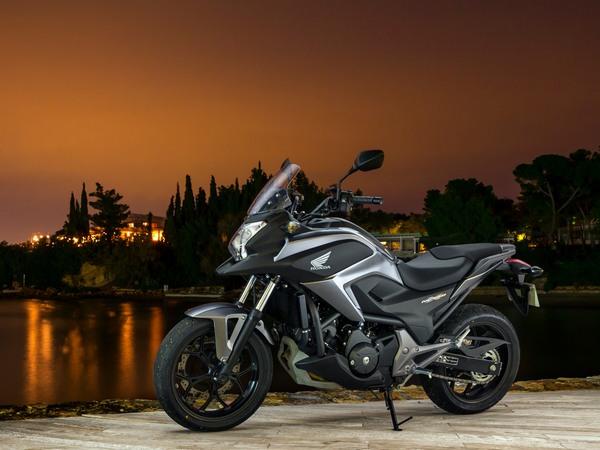 Фотогалерея  мотоцикла Honda NC750X - фото 3