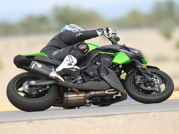 Фотогалерея мотоцикла Kawasaki Z1000 - фото 1