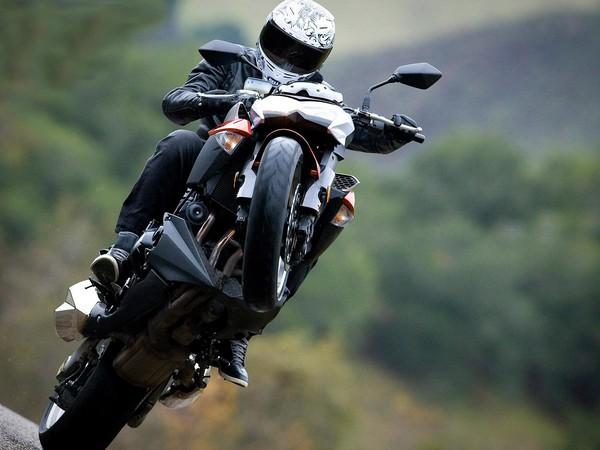 Фотогалерея мотоцикла Kawasaki Z1000 - фото 12