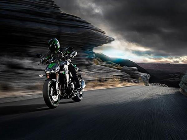 Фотогалерея мотоцикла Kawasaki Z1000 - фото 3