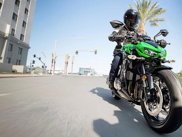 Фотогалерея мотоцикла Kawasaki Z1000 - фото 6