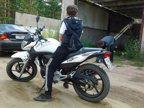 Фотогалерея обзор дорожного мотоцикла Stels Flex 250 фото - 8