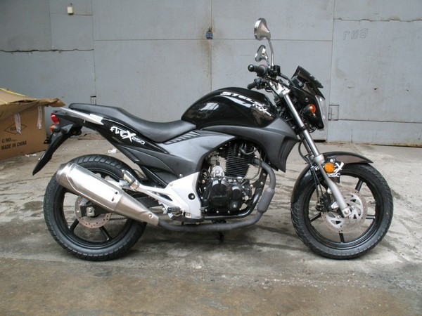 Фотогалерея обзор дорожного мотоцикла Stels Flex 250 фото - 9