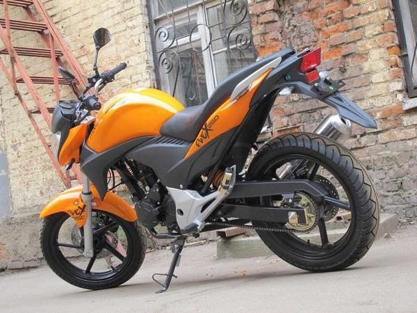 Фотогалерея обзор дорожного мотоцикла Stels Flex 250 фото - 1